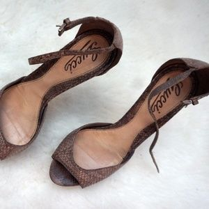 Gucci Shoes - GUCCI Snakeskin Strappy Peep Toe Stilettos Brown